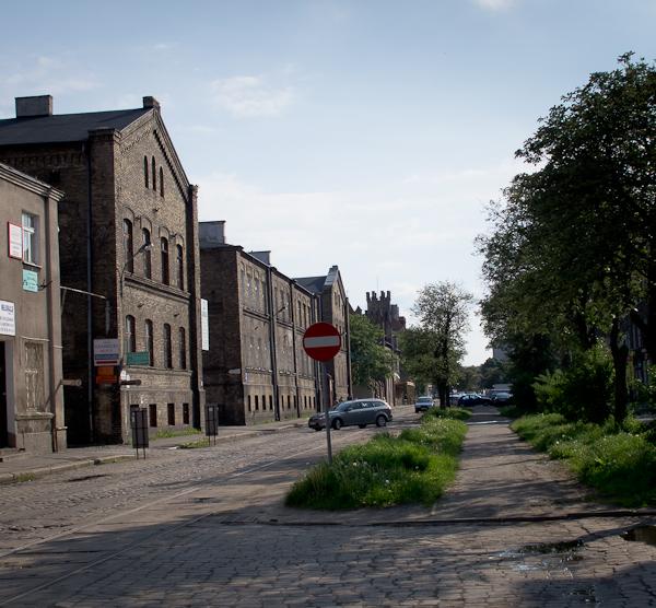 Budynek przemysłowy - dawna fabryka karabinół (fot. włsna)