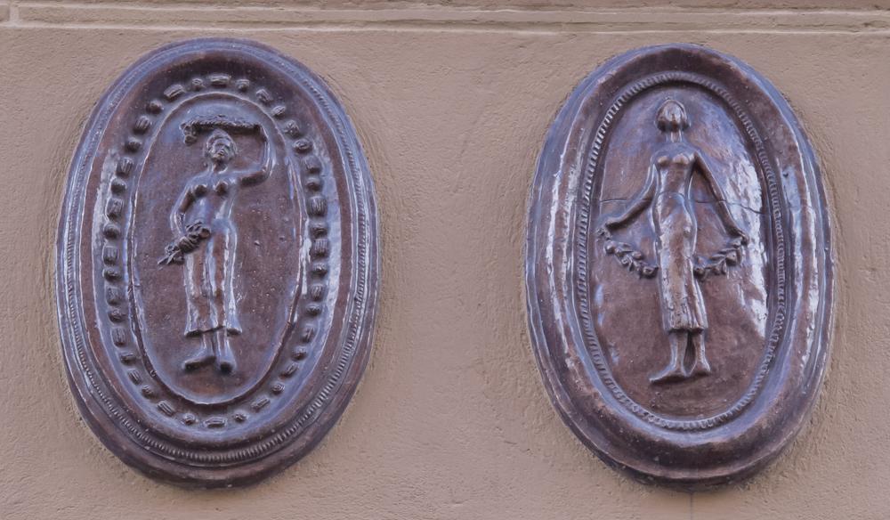 Gdańsk, ul. Długa - detale na fasadzie kamienicy (fot. własna)