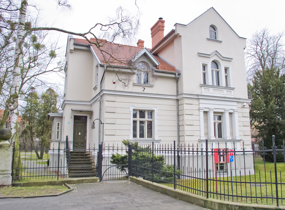 Al. Zwycięstwa 27, budynek należy do Politechniki Gdańskiej (fot. własna)